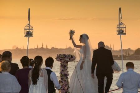 Boğazda Teknede Düğün Nişan